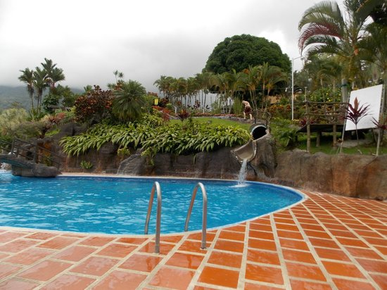Los Lagos Hotel Spa & Resort: Fast Slide!!