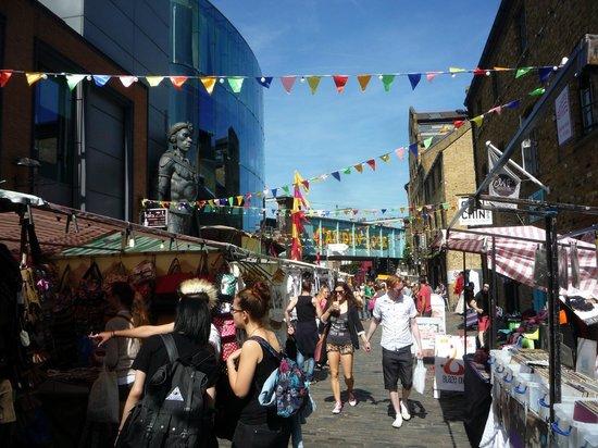 Camden Locks Canalside: Canalside market