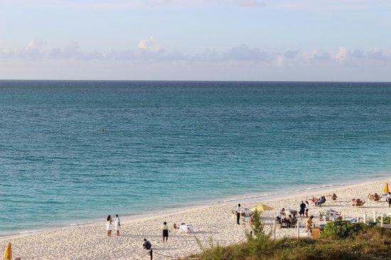 Alexandra Resort: Beach view from room