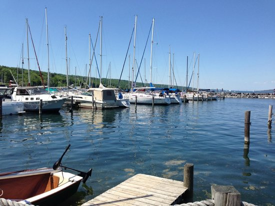 Captain Bill's Seneca Lake: View to dine by