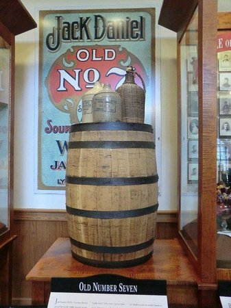 Jack daniel s ton picture of jack daniel s distillery lynchburg