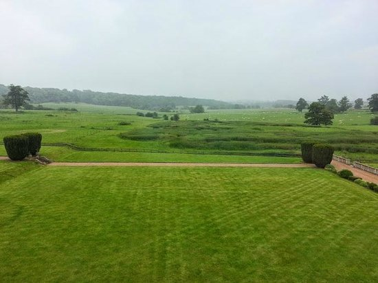 Mercure Warwickshire Walton Hall Hotel & Spa: View from room 25 - beautiful.