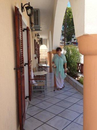 Antonia Hotel Santorini : Antonia Hotel porch