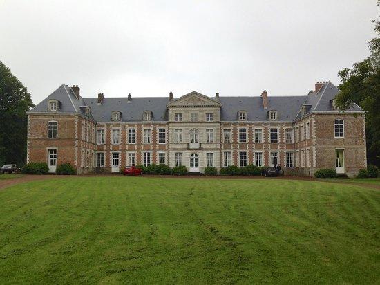 Le Chateau de Grand Rullecourt : Outside of the estate