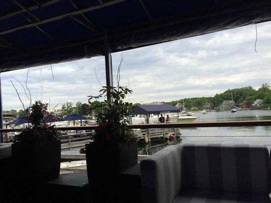 Captain Kidd Restaurant : Great deck on the water