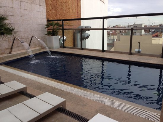 Hotel Urban : roof top pool