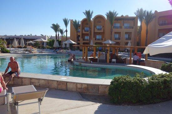 Stella Di Mare Beach Resort & Spa Makadi Bay: Poolbar