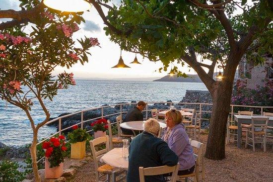 Lela's Taverna Restaurant : Lela's, Kardamili, view