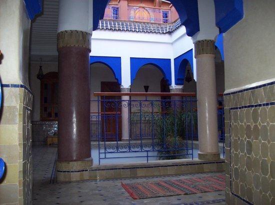 Riad Kenzo : first floor corridor