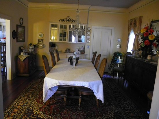Red Bluff Cottage: Breakfast room