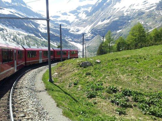 Trenino Rosso del Bernina: Direzione Alp Grum