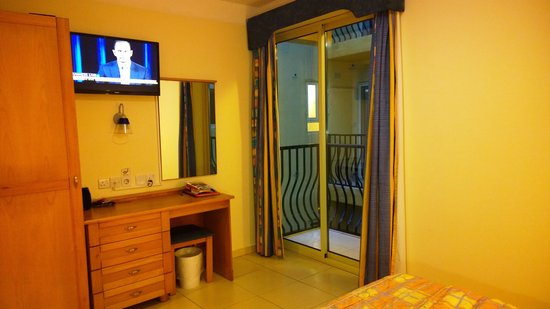 Bayview Hotel & Apartments: Quarto