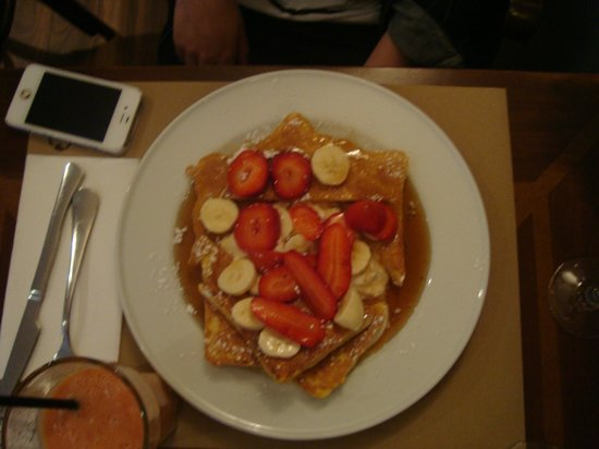 The Benedict - Brunch, Bistro, Bar: French Toast - Super yummy!!!
