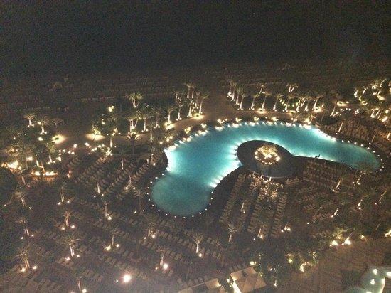Atlantis, The Palm: Pool view