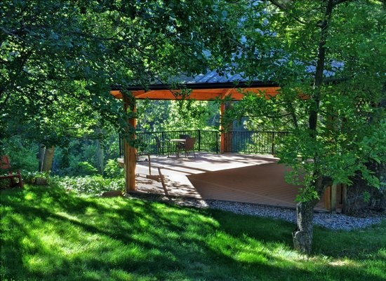 Garlands Oak Creek Lodge : A lovely pavillion for yoga in the morning