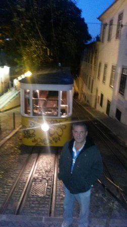 Elevador da Gloria : Elevador da Glória - Lisboa, Portugal