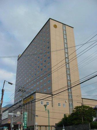Beppu Kamenoi Hotel : 収容能力たっぷりのスマートな外観。。