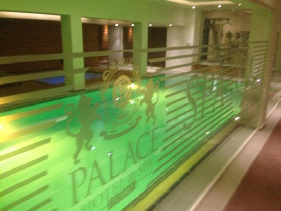 Palace Hotel & Spa: indoor pool