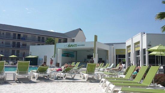 Avanti International Resort: Hotel Pool Bar & Grill