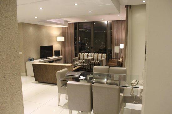 V & A Marina Waterfront Accommodation: Sala de jantar