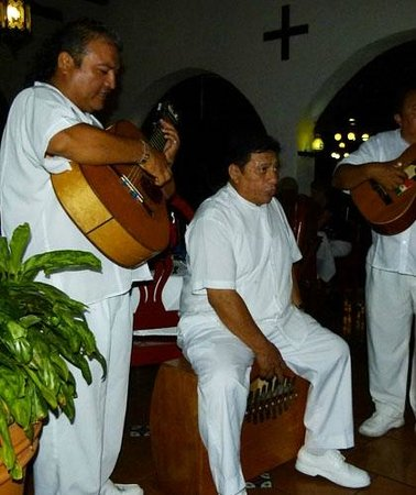 Casa Mission: Trio with Acoustic Box