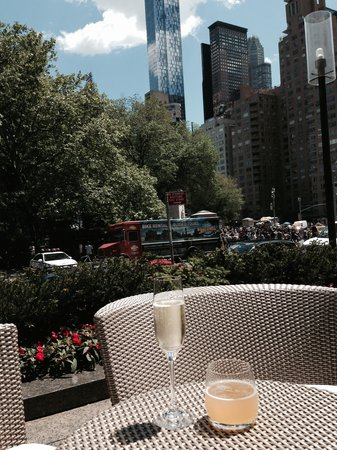 Nougatine at Jean Georges: Central Park view from the outside tables
