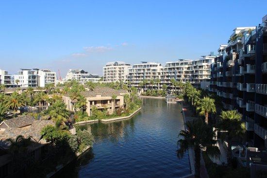 V & A Marina Waterfront Accommodation: Área interna do condominio