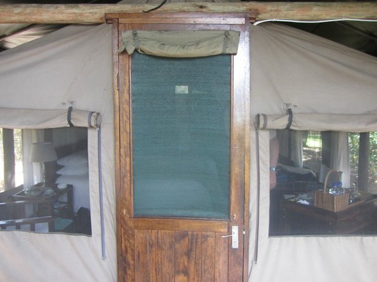 Ichingo Chobe River Lodge - Zambezi Queen Collection : Entrance to tent