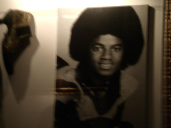 Hard Rock Cafe: The King of pop...at a very young age