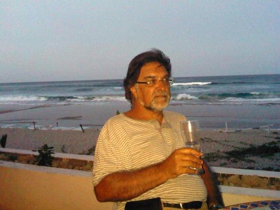 Hotel Tofo Mar: Um gin tónico ao fim da tarde no Hotel do Tofo