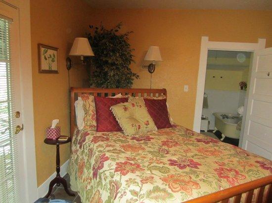Granbury Gardens Bed And Breakfast: Garden Suite
