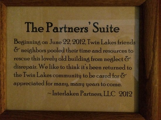 The Twin Lakes Inn: A note in the hall way