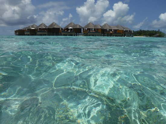 Baros Maldives : view of watervillas from lagoon