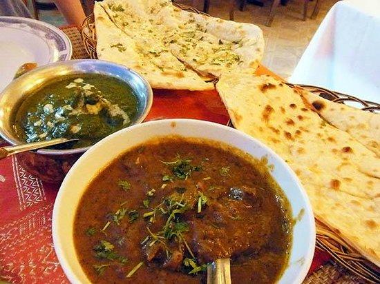 Omar's Tandoori cafe : 004