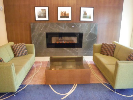 TownePlace Suites by Marriott Mississauga-Airport Corporate Centre : TOWNEPLACE SUITES LOBBY FIRE