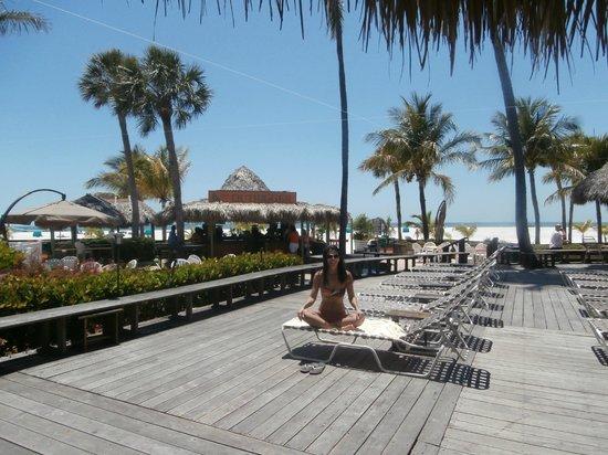 Outrigger Beach Resort : O deck