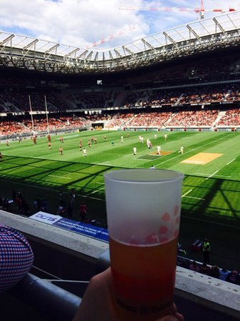 Allianz Riviera : Beer and rugby