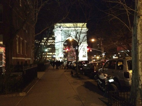 Ghosts, Murders and Mayhem Walking Tours of New York City: Washington Square Arch
