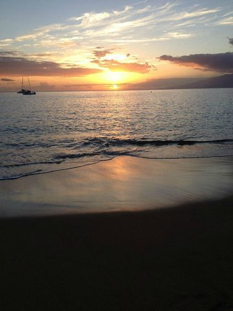 Aston Maui Kaanapali Villas : Sunset from the MKV beach.