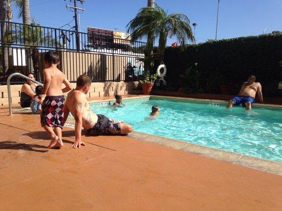 Holiday Inn Express Sea World: Pool