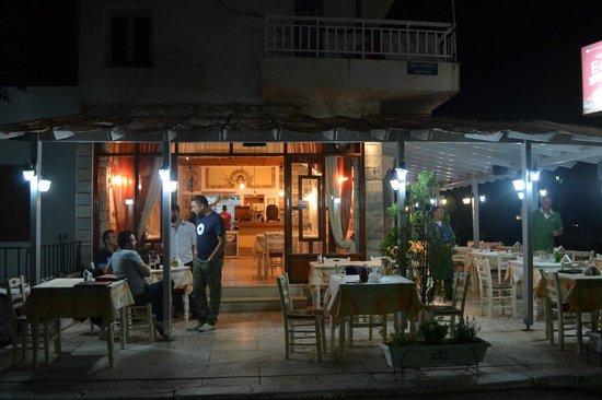 Hellas Family Taverna