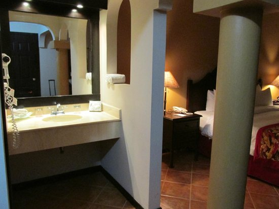 Occidental Papagayo - Adults only: Bathroom is half open to room, AC does not reach here.