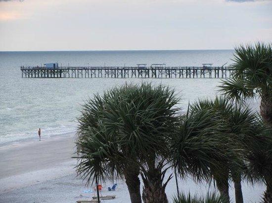 Doubletree Beach Resort by Hilton Tampa Bay / North Redington Beach: Views go on forever......