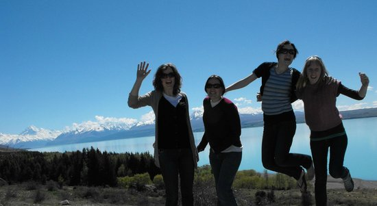 Mt Dobson Motel: Lake Pukaki 40mins from our motel