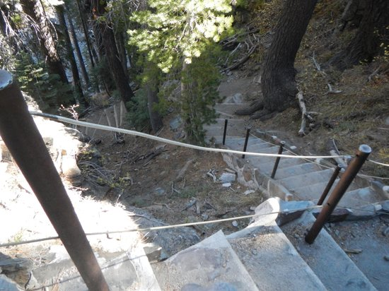 Devils Postpile National Monument: Stairs to lower falls