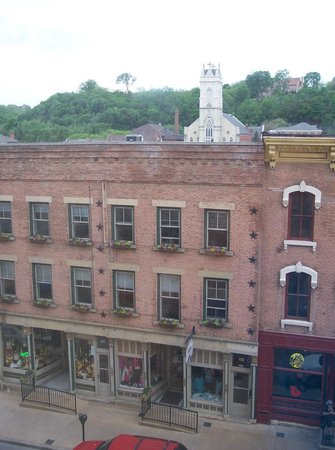 Hotel Julien Dubuque: View from Room 422