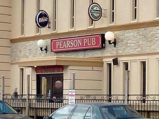 Comfort Inn Toronto Airport : Pearson Pub, bar en restaurant van de Comfort Inn