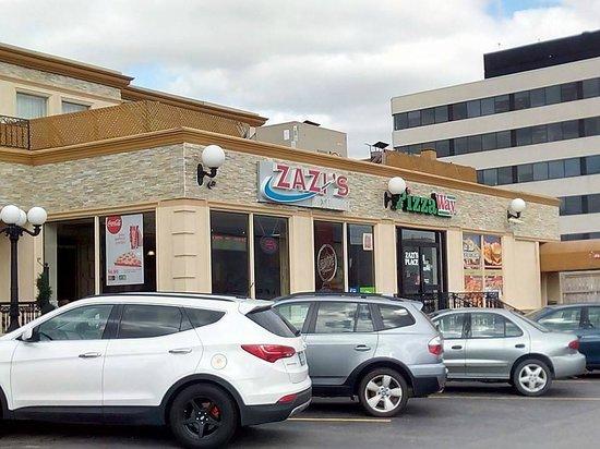 Comfort Inn Toronto Airport : Ziza's Pizza, het ontbijt lokaal van Comfort Inn