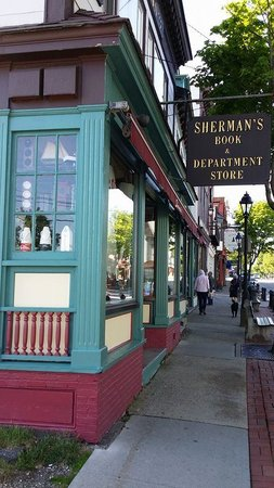 ‪Sherman's Books & Stationery‬