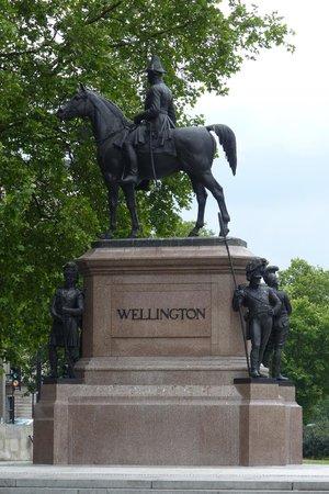 Duke of Wellington Statue - SE Corner of Hyde Park